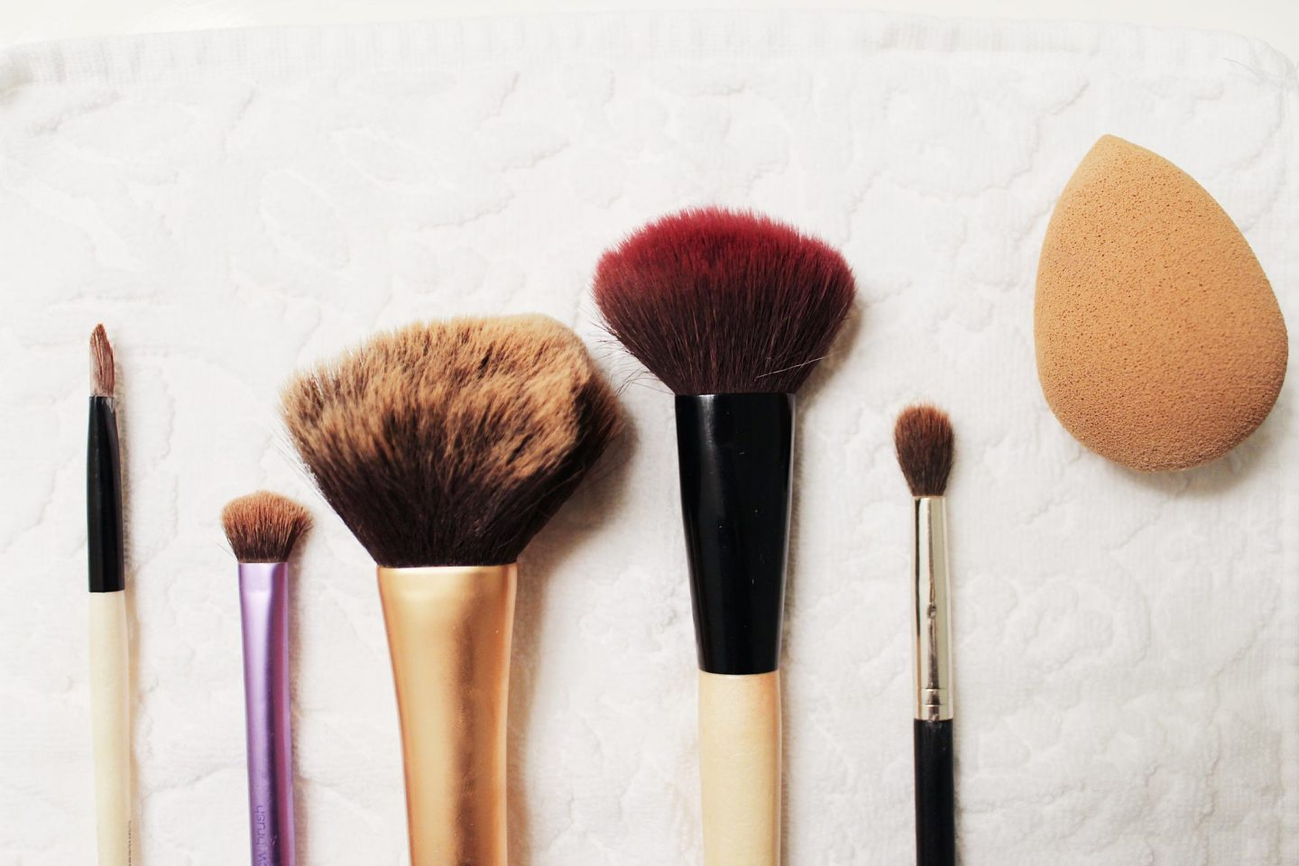 My Everyday Makeup Brushes & How I Clean Them - Ashley Donielle